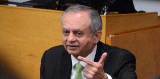 Abdul Razak, said that Pakistan will begin exporting mobile phones and motorbikes from 2022.