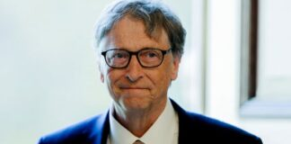 Microsoft Warned Bill Gates to stop sending flirtatious emails to a female employee but dropped the matter after he told them he would stop.
